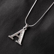 """Ezüstözött női nyaklánc,""""A"""" betűs medállal"""