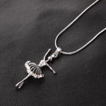 Ezüstözött női fémnyaklánc,balerinás medállal