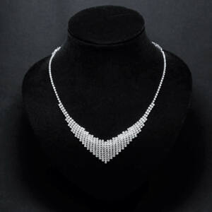 Alkalmi strasszköves női nyaklánc,fülbevaló szett
