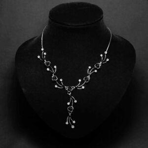 Fekete virágos női nyaklánc fülbevaló szett