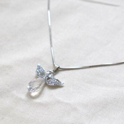 Ezüstszínű női nyaklánc, áttetsző csiszolt üveg medállal