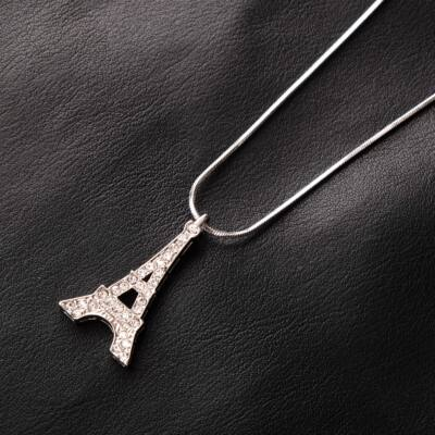 Ezüstözött női nyaklánc Eiffel-tornyos medállal