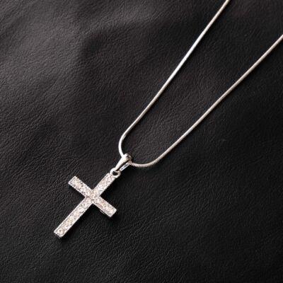 Ezüstszínű női nyaklánc, strasszköves keresztes medállal