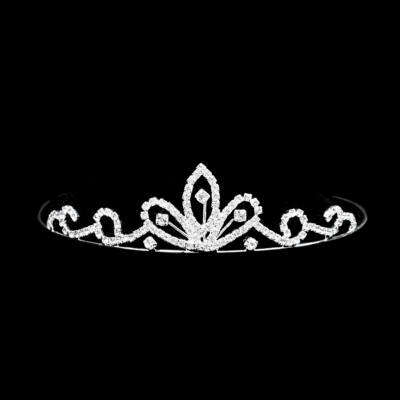 Alkalmi tiara stasszkővel díszítve