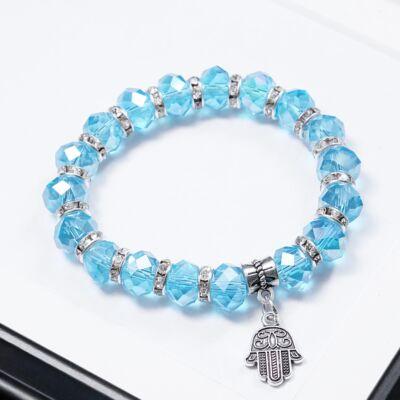 Kék gyöngyös női karkötő,kéz alakú medállal díszítve
